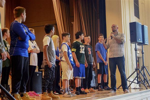 Tips to Help Teachers Hire the Best Youth Motivational Speaker for Their School